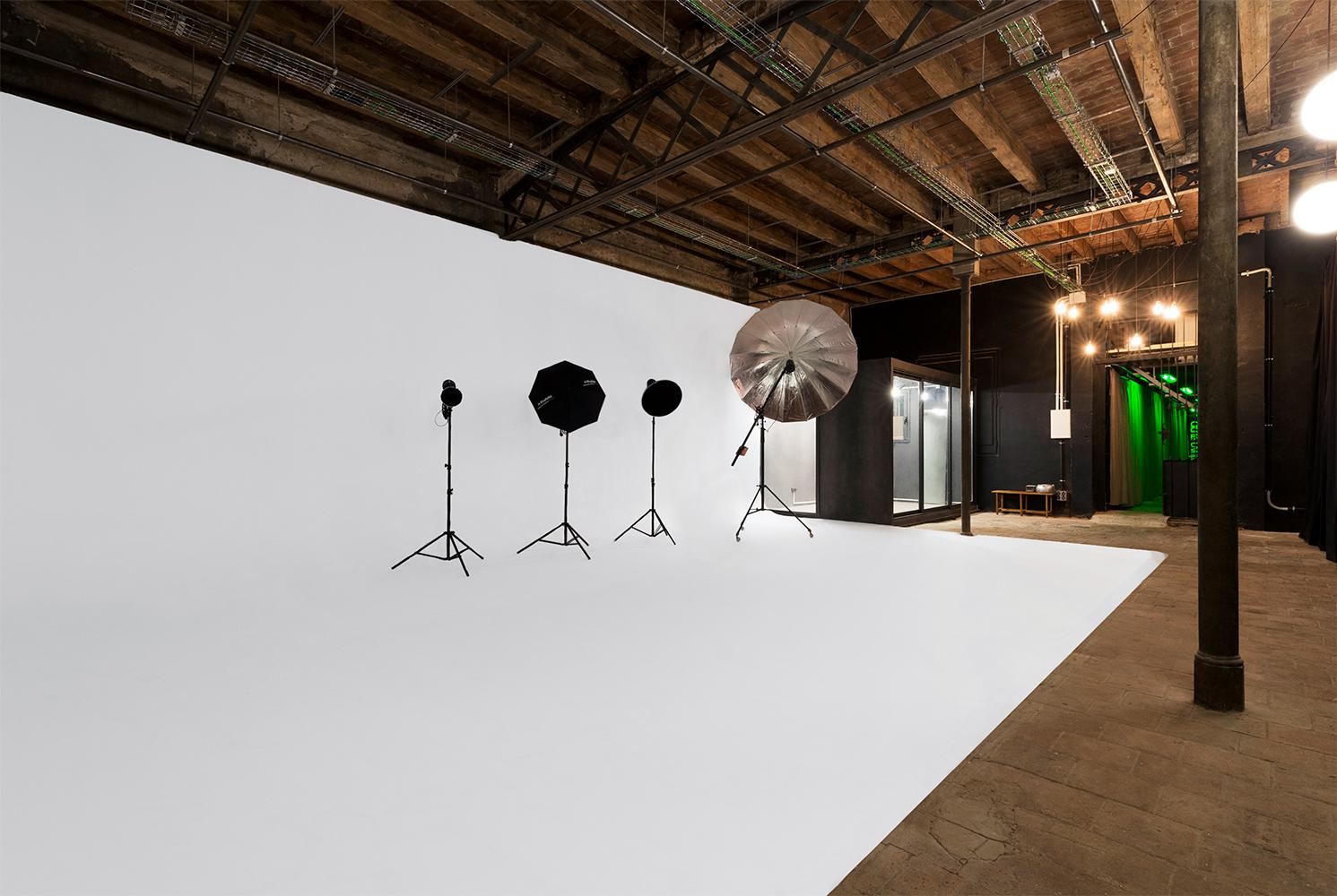 Alquiler de estudio para fotografía y video en Barcelona